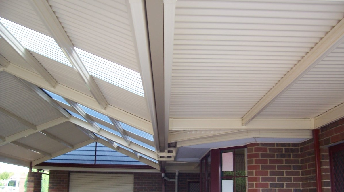 Pergola roof materials outdoor goods for Modern roofing materials